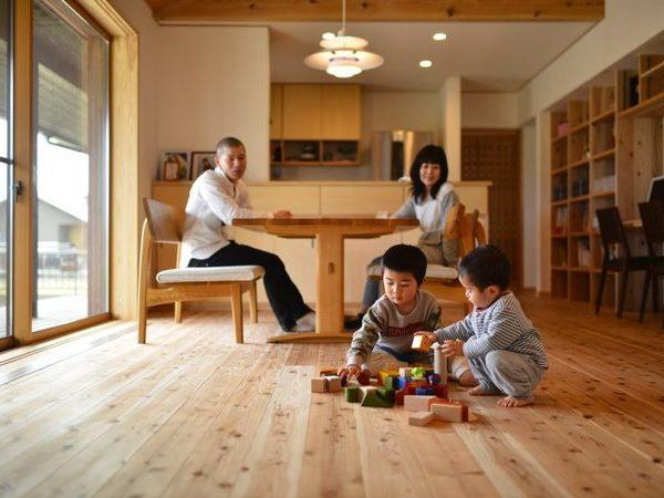 木と自然素材に囲まれた家 【OMソーラーハウス】