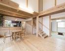 自分たちの山の木で建てた家【OMソーラーハウス】の画像3