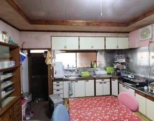 アイランドキッチンのある家のビフォー画像