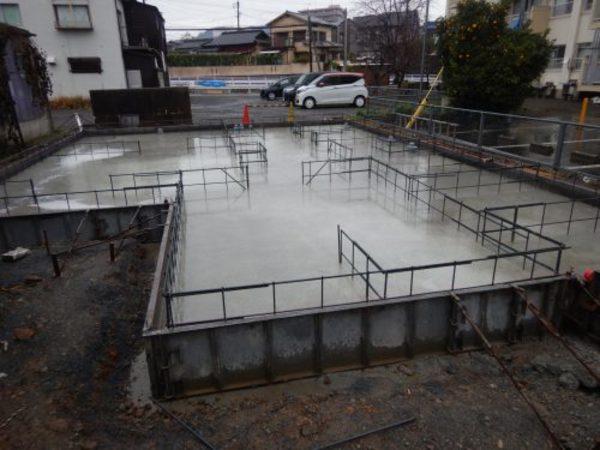 基礎コンクリート打設。